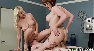 Hot threesome fuck with Krissy and Kylie